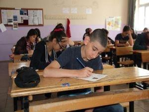 TEOG sınavında ilk oturum sona erdi