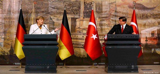 Merkel, bir Avrupa çözümünde ısrarcı