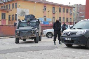Karne dağıtım esnasında okula bombalı saldırı: 5 yaralı