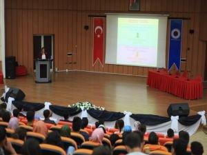"BTÜ'de ""Obezite, Beslenme ve Egzersiz"" konferansı"