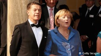 Canlı bombanın hedefi Merkel'in eşi miydi?