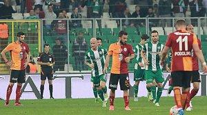 Galatasaray puan dağıtmaya devam ediyor