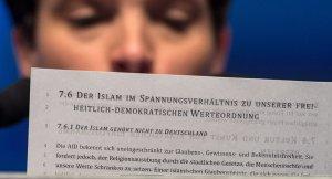 """""""İslam Almanya'ya ait değildir"""""""