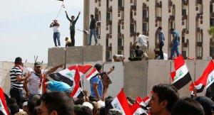 Eylemlerini sürdüren Sadr yanlıları Yeşil Bölge'yi boşaltıyor