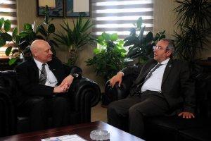 Abd büyükelçi yardımcısı mendel Van'da Rektör Battal'ı ziyaret etti