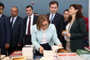 Kitap fuarına ziyaretçi akını13 bin kişi ziyaret etti