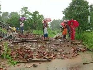 Hindistan'daki selde ölü sayısı 110'a yükseldi