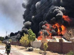 Gaziantep'teki tekne imalathanesinde büyük yangın