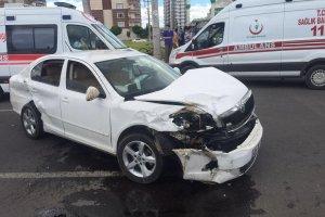 Diyarbakır'da meydana gelen trafik kazasında 4 kişi yaralandı