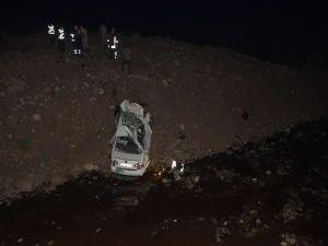 Şanlıurfa'da otomobil köprüden aşağı uçtu: 2 ölü, 1 yaralı