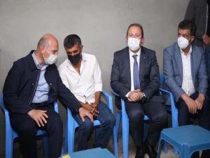 İçişleri Bakanı Soylu, zırhlı aracın çarparak ölümüne neden olduğu çocuğun ailesini ziyaret etti