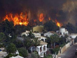 İspanya'da orman yangını: 6 bin hektar alan yandı