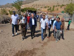 Milletvekili Ziver Özdemir Gercüş köylerinde temaslarda bulundu