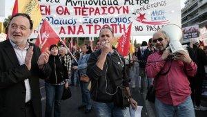 Yunanistan'dan 'Kemer Sıkma' protestosu