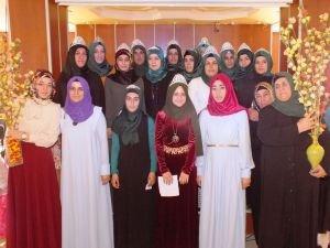 Kur'an kursu öğrencilerinde 'taç giyme' heyecanı