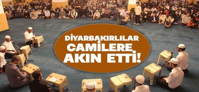Diyarbakırlılar Mevlid Kandili'nde camilere akın etti