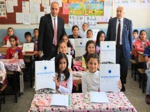 BTÜ'den Yavuz Selim İlkokulu'na kitap ve spor desteği