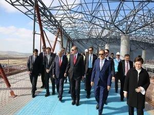 Cumhurbaşkanı Erdoğan, 3.Havalimanı İnşaatını inceledi