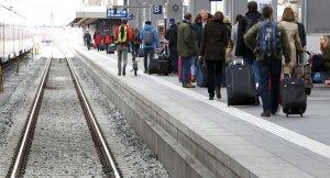 Almanya Münih'te bir tren istasyonuna bıçaklı saldırı bir ölü