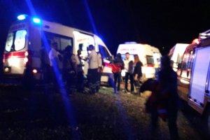 Diyarbakır'da polis aracı geçişi sırasında patlama yaralılar var