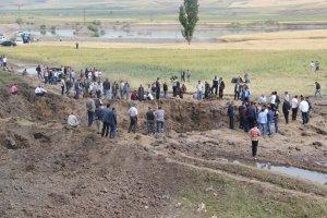 Patlamanın detayları Köylüler yakınlarının parçalarını arıyor