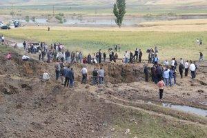 PKK patlayıcı yüklü kamyonlarla köylüleri öldürüyor