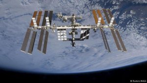 ISS Dünya etrafındaki yörüngesinde 100 bininci turunu yaptı