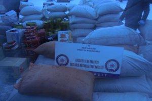 Araçta yapılan aramada, 14 ton kaçak çay bulundu