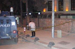 Polis ile iki kişi arasında çıkan çatışmada 7 yaşındaki çocuk öldü