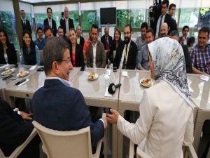 Başbakan, basın mensuplarıyla buluştu