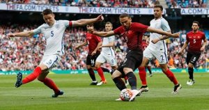 İngiltere'de iyi oyun kötü prova