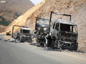 PKK'lılar 12 aracı ateşe verdi