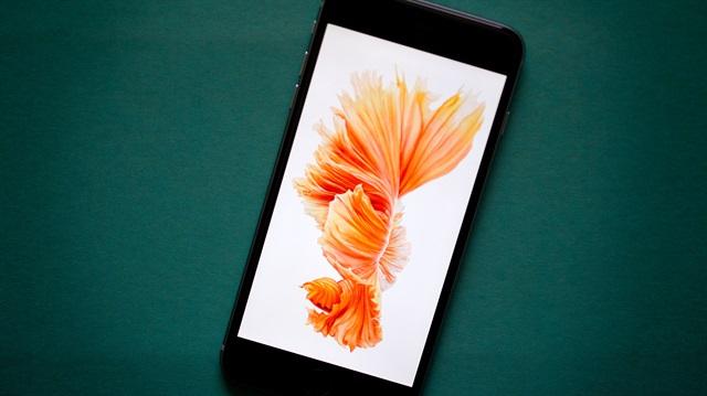 Artık iPhone ekranını Samsung üretecek!