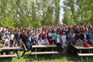 Ağrı Valisi lise öğrencileriyle piknikte buluştu