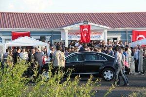 Cumhurbaşkanı Erdoğan PKK'nın katliam yaptığı köye gitti