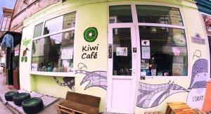 Tiflis'teki bir vegan kafeye sosisli saldırı