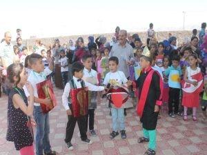 """Suriyeli öğrencilere """"Okuma Bayramı"""" etkinliği"""