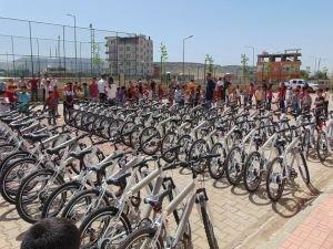 291 öğrenciye bisiklet dağıtıldı