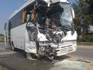 Test sürüşündeki iki otobüs çarpıştı