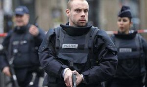 Fransa'da turistlerin bulunduğu otobüse silahlı saldırı