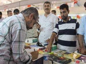 Dua Yayıncılık'ın sevilen yazarları kitapseverlerle buluştu