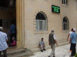Camiye 3 dilde dijital tabela