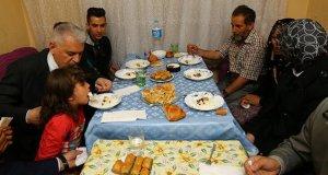 Başbakan Yıldırım Tunç ailesinin iftarına konuk oldu