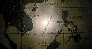 Doğu Çin Denizi üzerinde ABD ve Çin uçakları karşı karşıya geldi