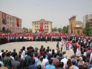 Saldırıda hayatını kaybedenler için tören düzenlendi
