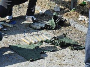 Çantadan bomba düzeneği çıktı