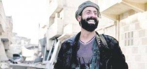 ABD askerleri YPG'nin armasını taktı
