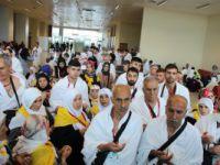 Umre yolcuları Cidde'ye dualarla uğurlandı