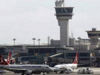 Sınır dışı edilmemek için Atatürk Havalimanı'nda bileklerini kesti