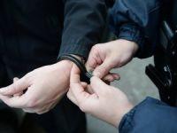 2,5 aylık bebeğini yastıkla boğan anne tutuklandı